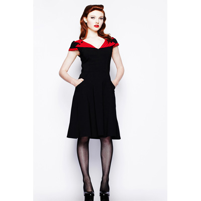 Evie - Vestido de noche negro con adornos en rojo