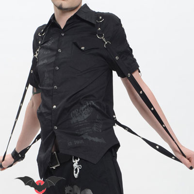 Obscure - Camisa gótica de manga corta con adornos metálicos